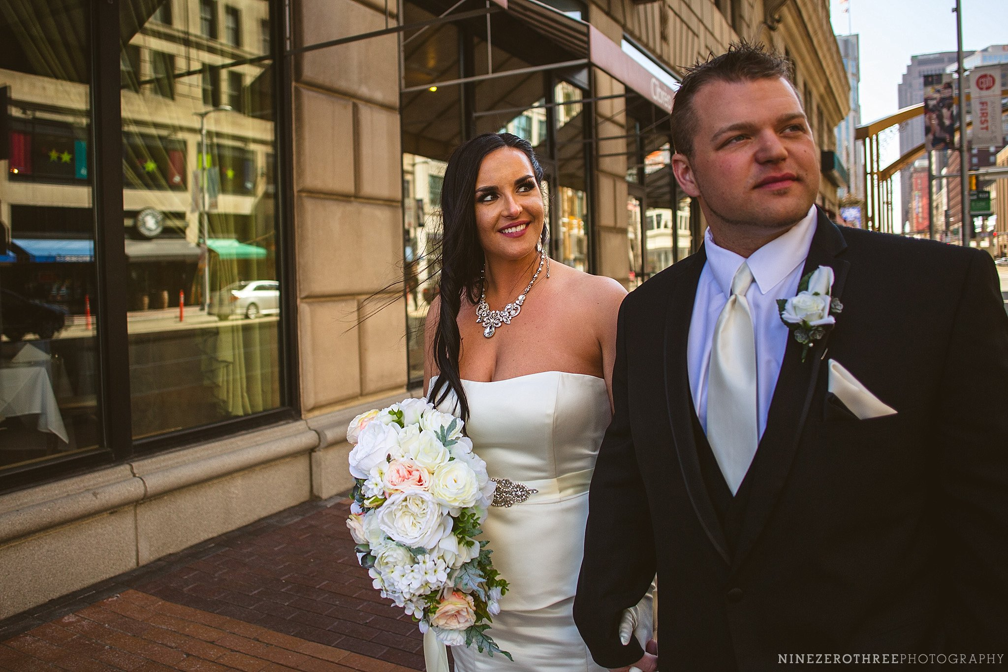 Downtown Cleveland Wedding Pictures 58